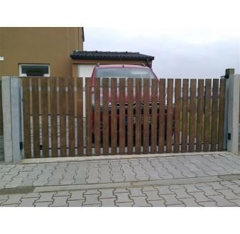 https://www.hezke-ploty.cz/148-474-thickbox/brana-posuvna-pojezdova-ram-pozink-dr-vypln-prima.jpg