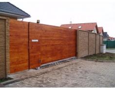 Dřevěná výplň 2x1m Plná vodorovná